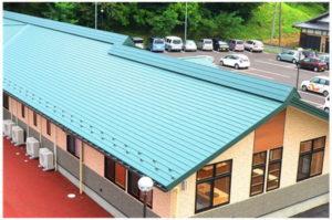 稲垣商事さんの金属屋根材のヒランビーの施工写真